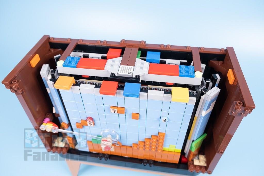 LEGO 71374 Nintendo Entertainment System 33