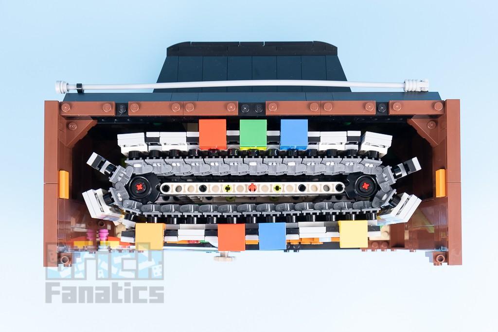 LEGO 71374 Nintendo Entertainment System 34