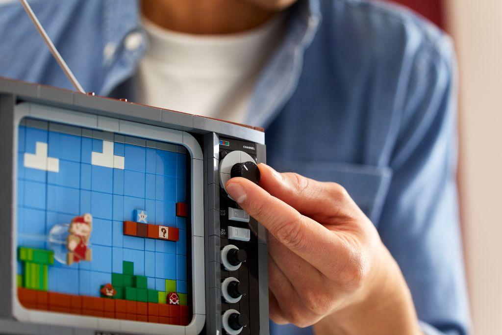 LEGO 71374 Nintendo Entertainment System NES 23