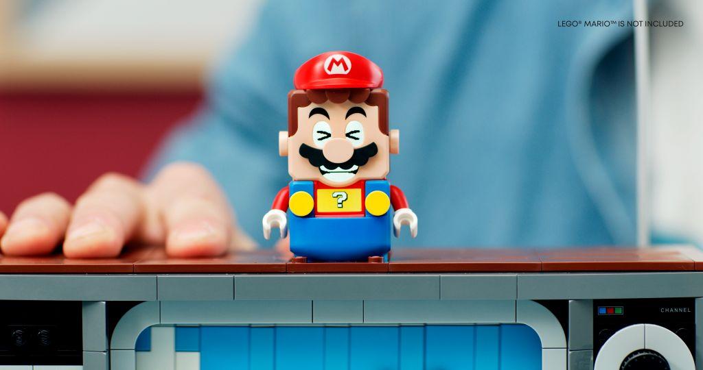 LEGO 71374 Nintendo Entertainment System NES 3