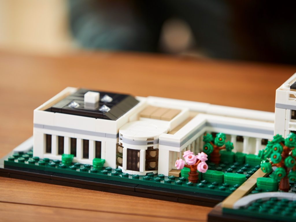 LEGO Architecture 21054 The White House 15