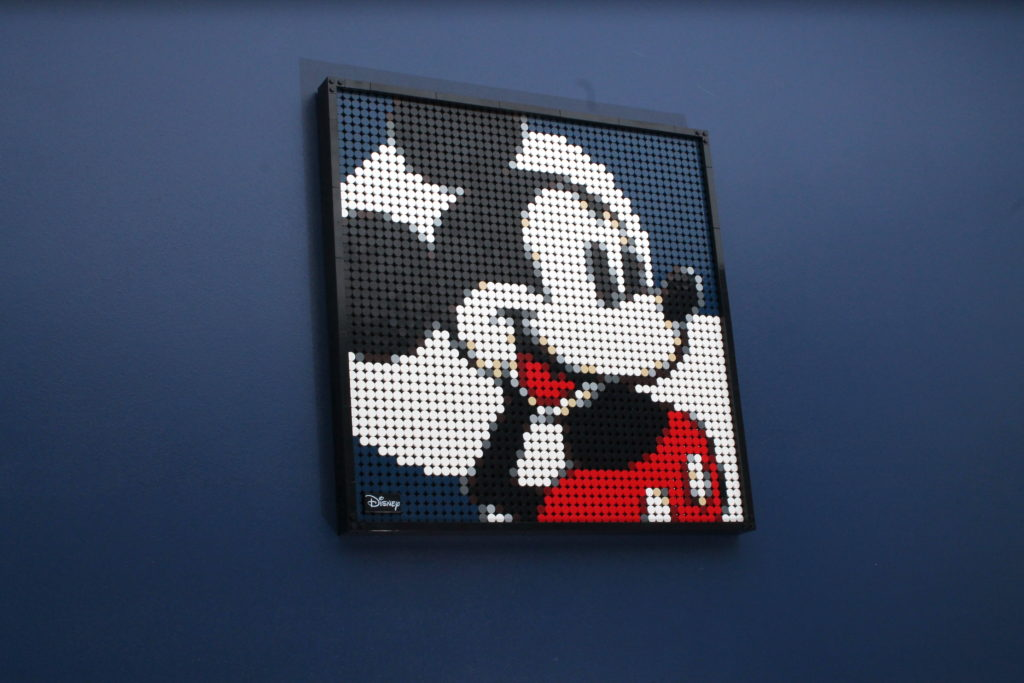 LEGO Art 21302 Disneys Mickey Mouse Review 10