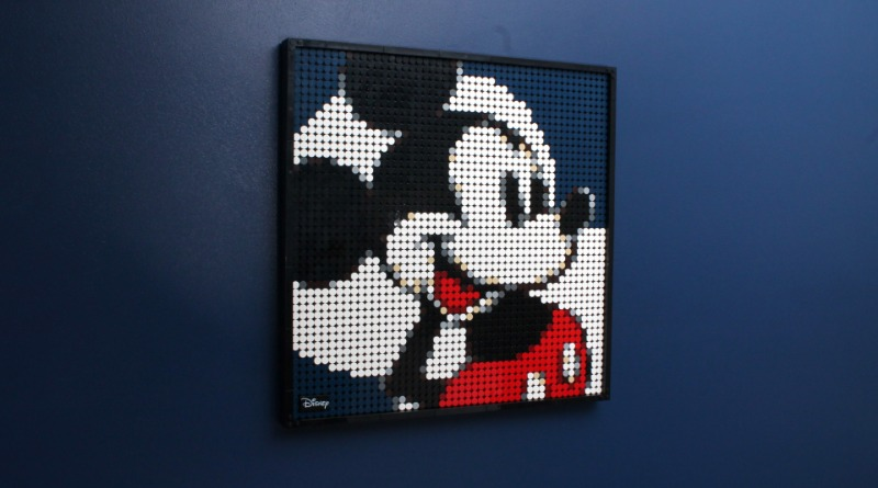 LEGO Art 21302 Disneys Mickey Mouse Review Featured