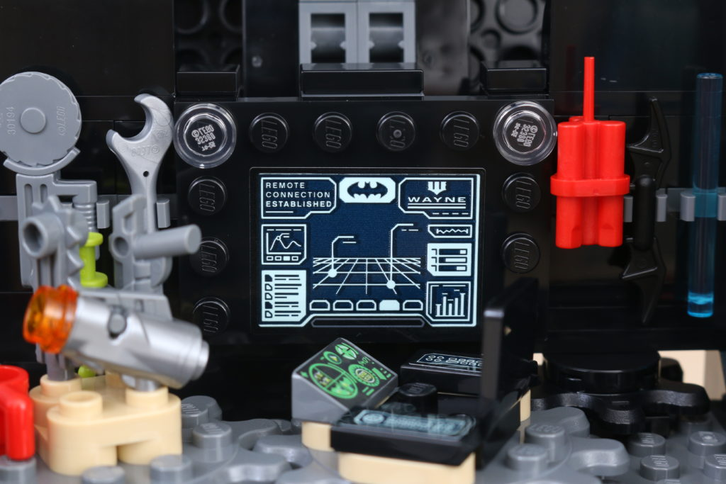 LEGO Batman 76160 Mobile Bat Base Review 20