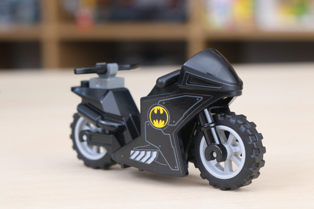 LEGO Batman 76160 Mobile Bat Base Review 22