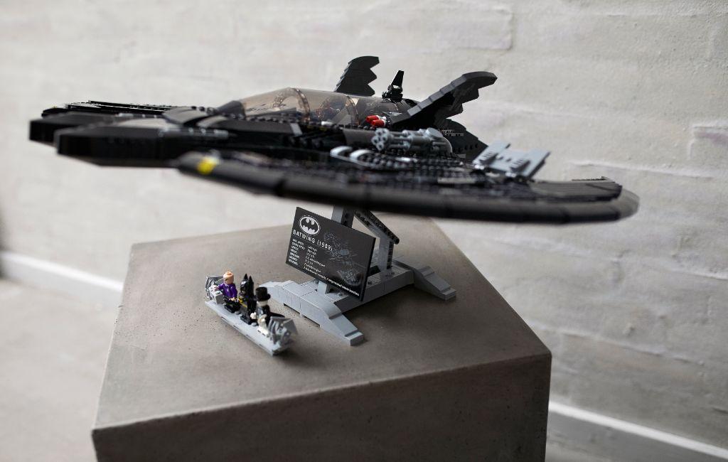 LEGO Batman 76161 1989 Batwing 26