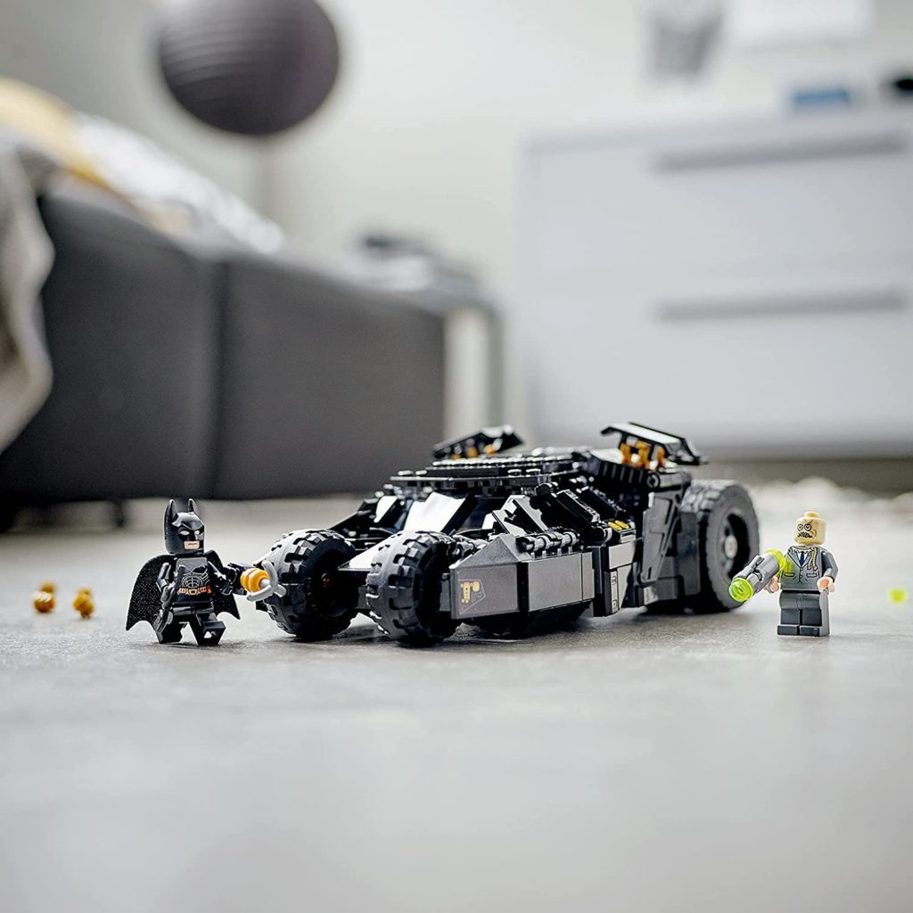 LEGO Batman 76239 Batmobile Tumbler Scarecrow Showdown 2