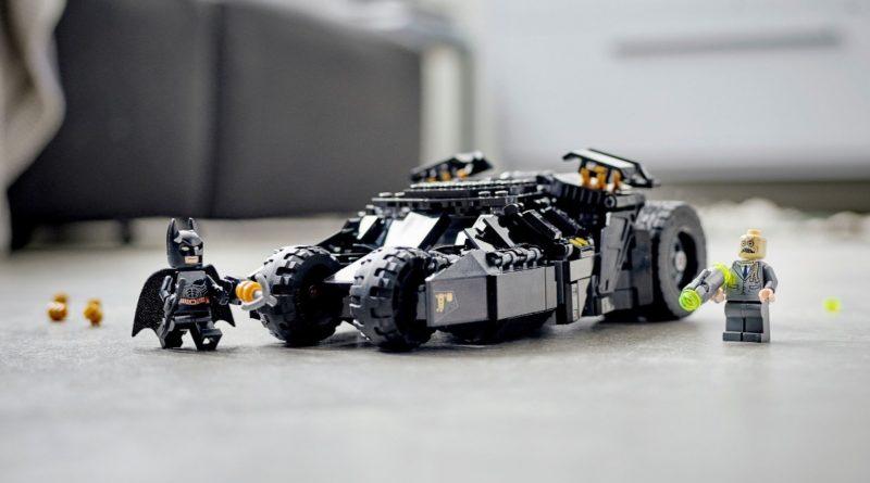 LEGO Batman 76239 Batmobile Tumbler Scarecrow Showdown featured hi res 1
