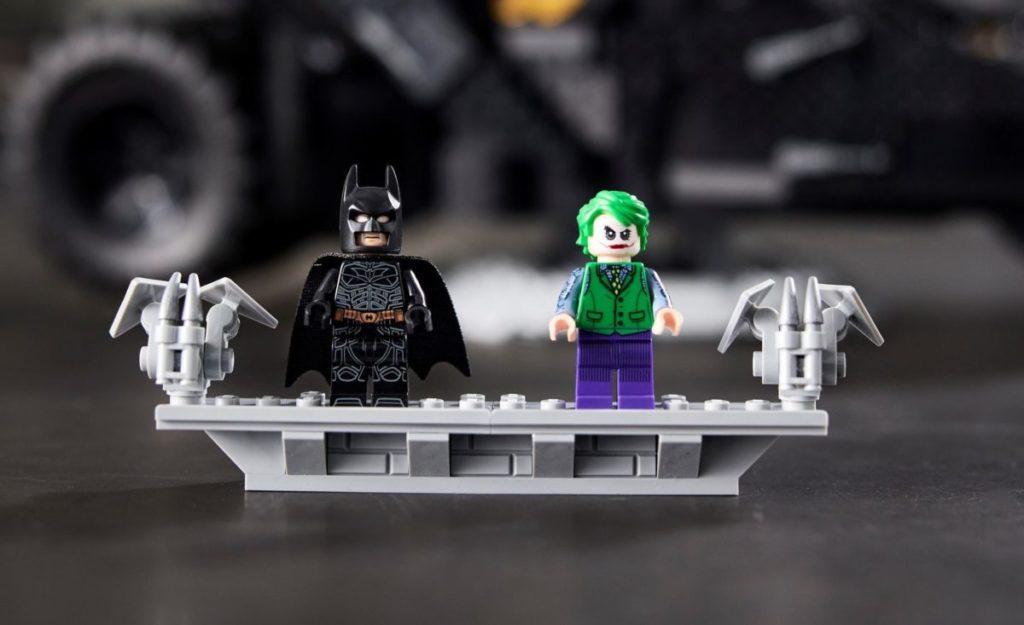 LEGO Batman 76240 Batmobile Tumbler minifigures