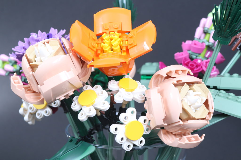 LEGO Botanical Collection 10280 Flower Bouquet Review 5