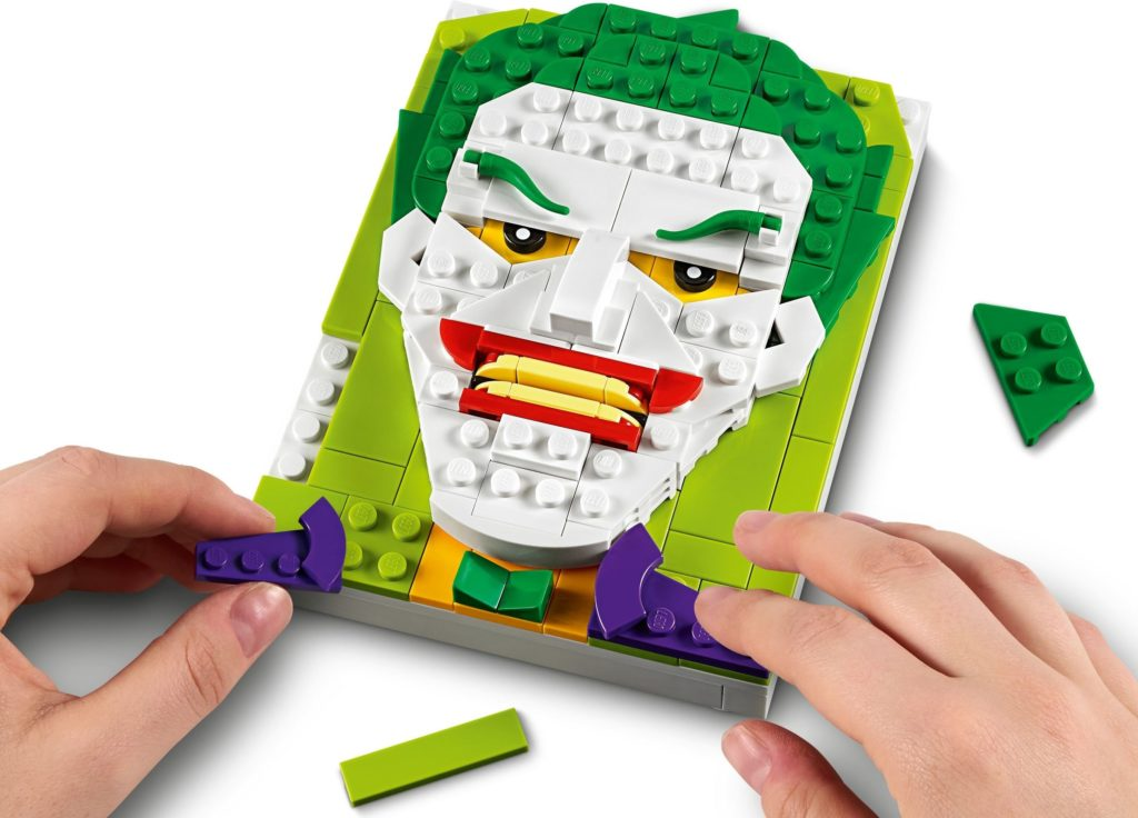LEGO Brick Sketches 40428 The Joker 4