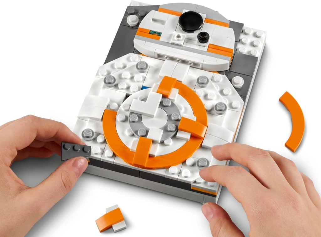 LEGO Brick Sketches 40431 BB 8 4