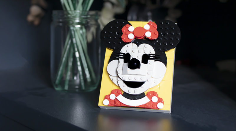 LEGO Brick Sketches 40457 Minnie Mouse FEATURED 800x445