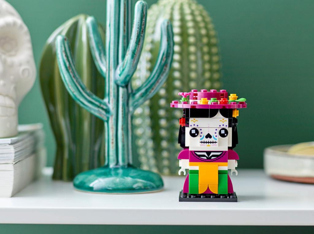 LEGO BrickHeadz 40492 La Catrina lifestyle 1