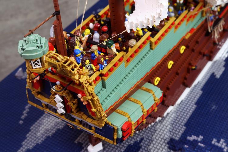 LEGO Brickwrecks