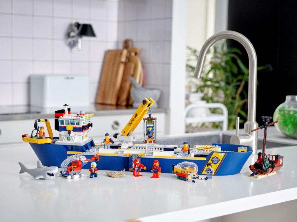LEGO CITY 60266 Ocean Exploration Ship 5