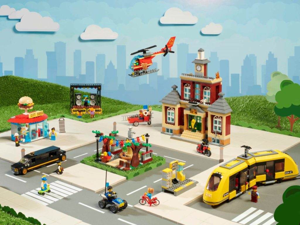 LEGO CITY 60271 Main Square 16