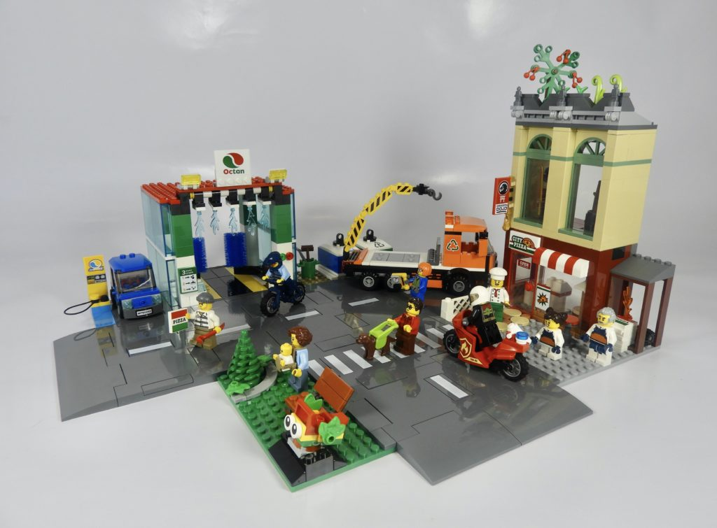 LEGO CITY 60292 Town Center review 1
