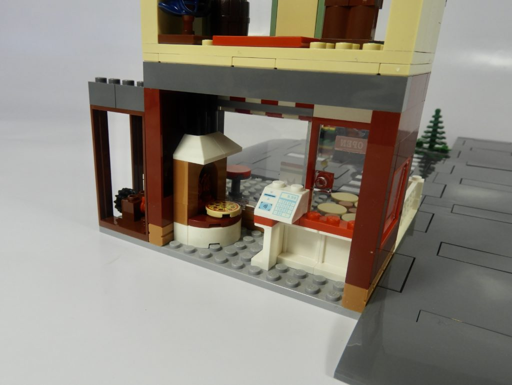 LEGO CITY 60292 Town Center review 10