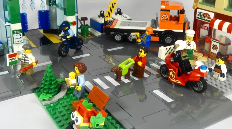 LEGO CITY 60292 Town Center Review Featured