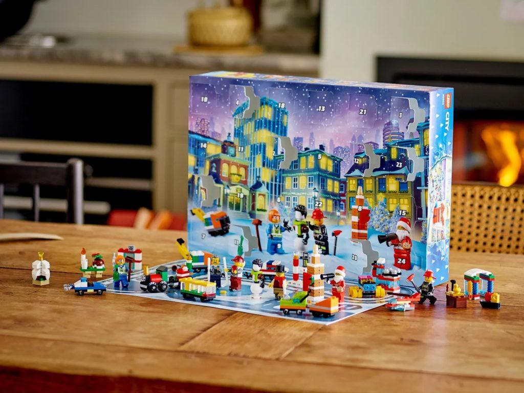 LEGO CITY 60303 CITY Advent Calendar 6