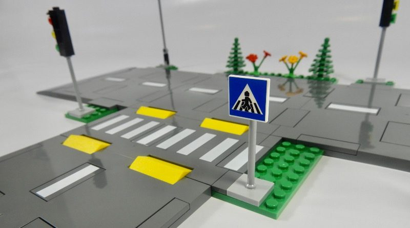 LEGO CITY 60304 Road Plates review featured