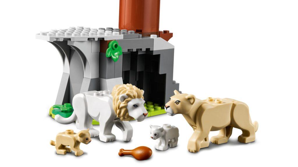 LEGO CITY 60307 Animal Rescue Camp 6
