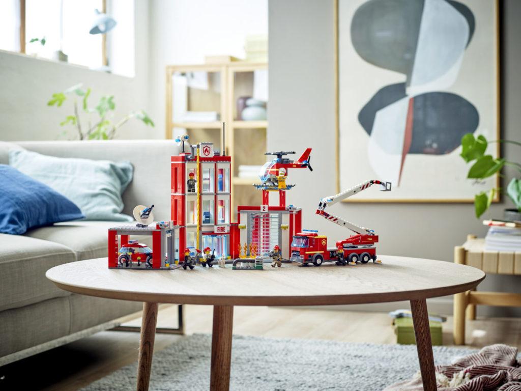 LEGO CITY 77944 Fire Station Headquarters 8