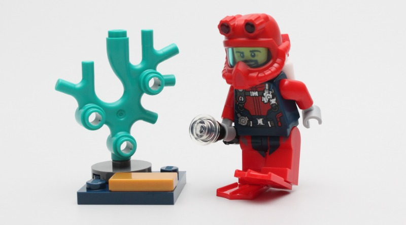 LEGO CITY Magazine Issue 34 Diver Minifigure Featured