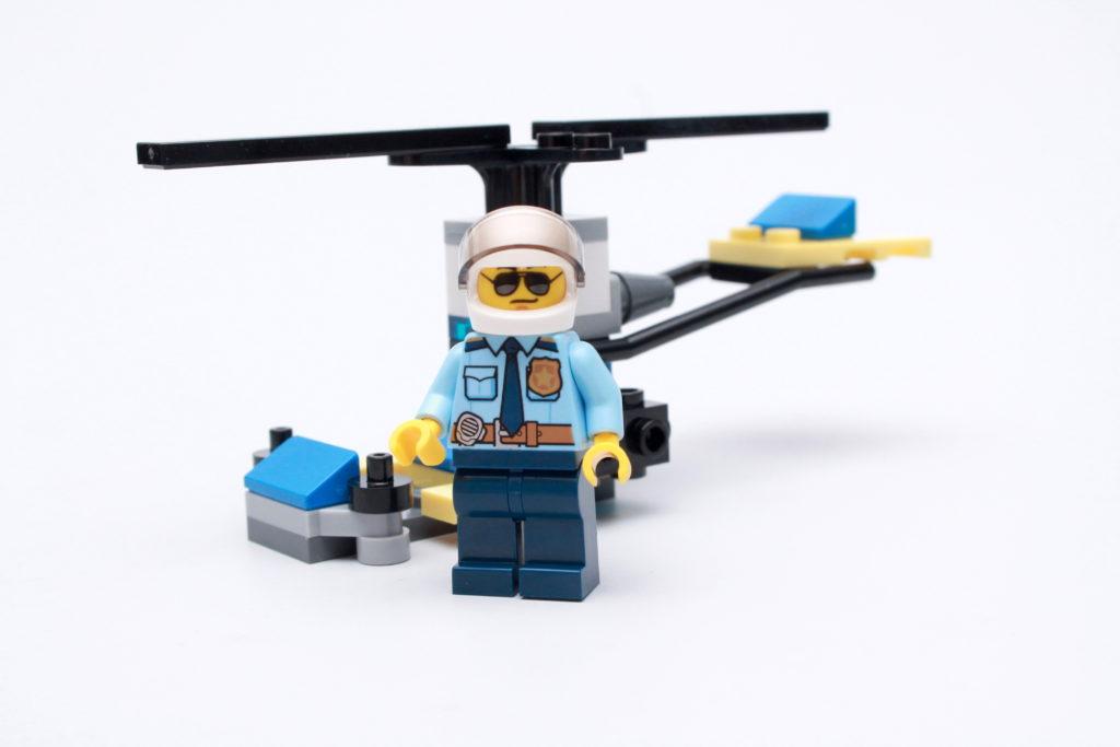 LEGO CITY magazine Issue 35 10
