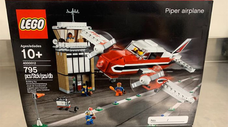 LEGO Catawiki 4000012 Piper Airplane featured