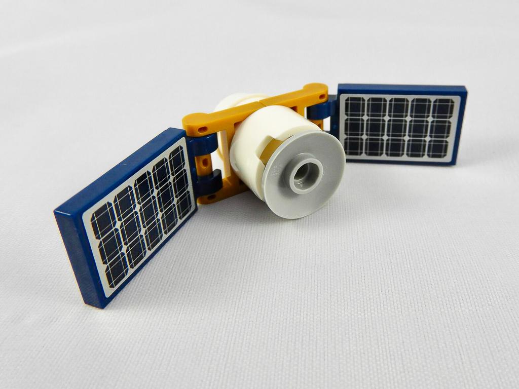 LEGO City 60224 Satellite Service Mission 5