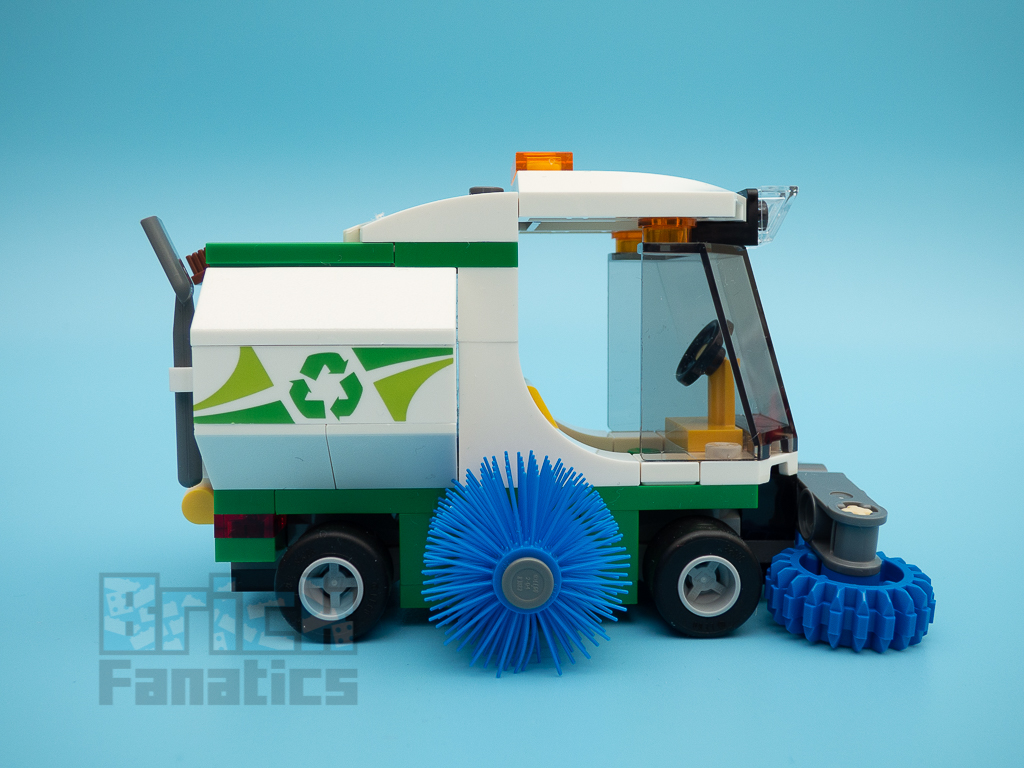 LEGO City 60249 Street Sweeper 52