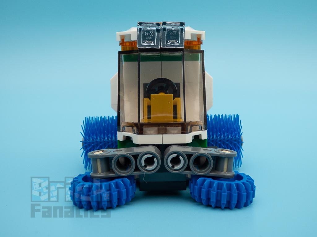 LEGO City 60249 Street Sweeper 53