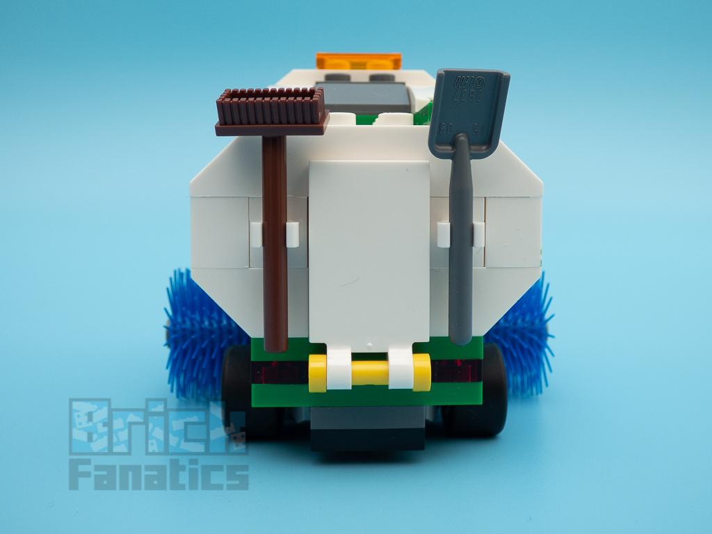 LEGO City 60249 Street Sweeper 54