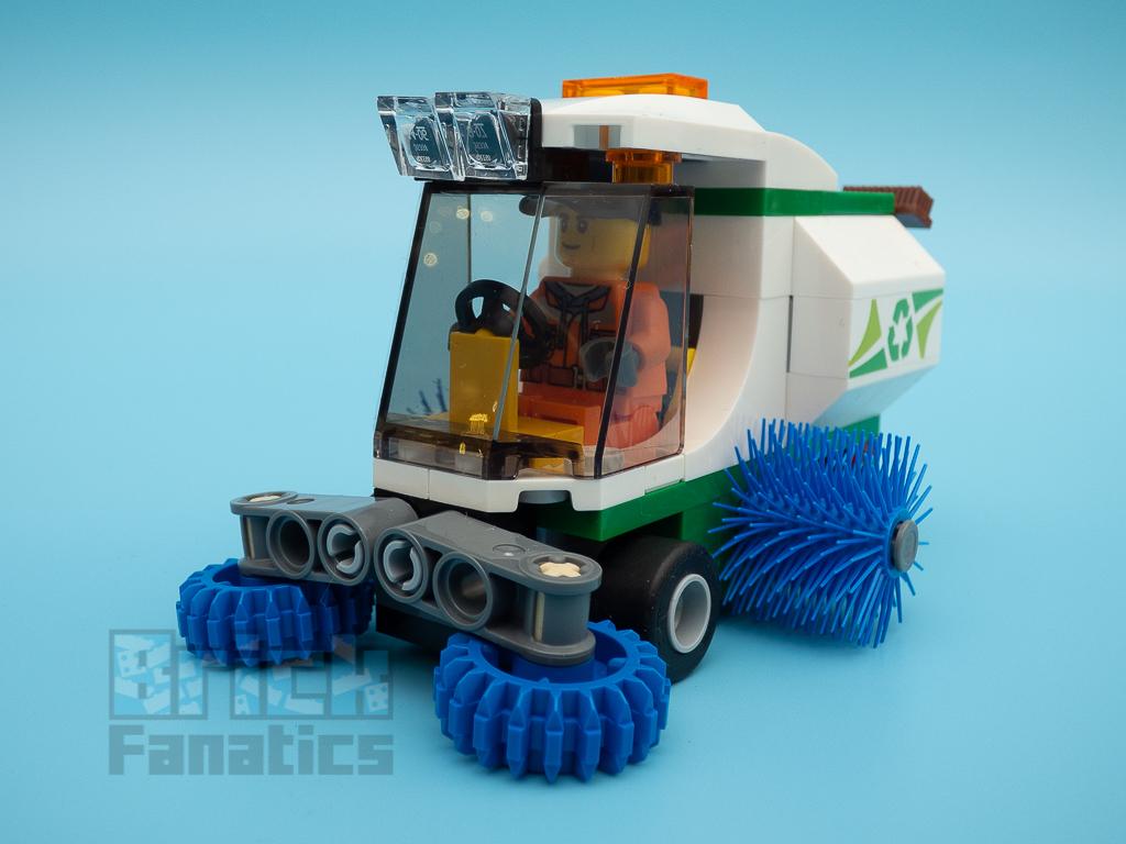 LEGO City 60249 Street Sweeper 55