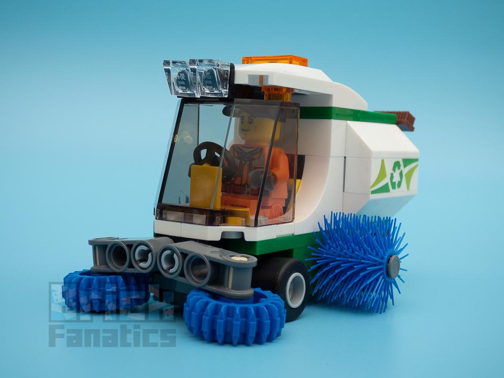 LEGO City 60249 Street Sweeper 56