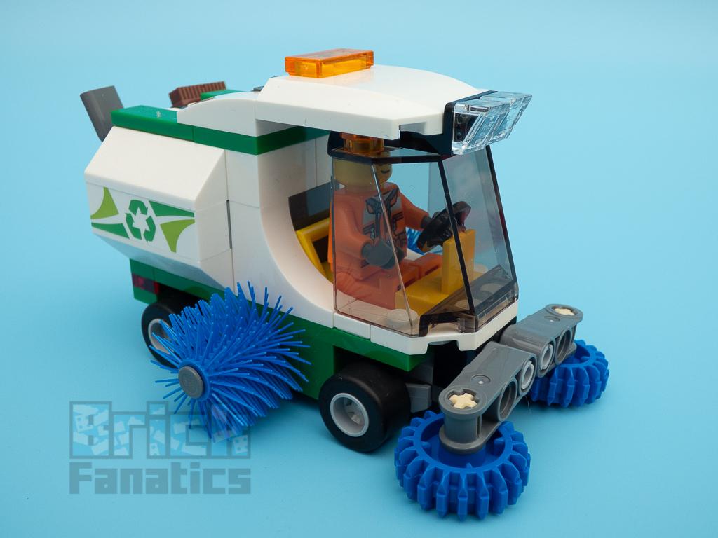 LEGO City 60249 Street Sweeper 57