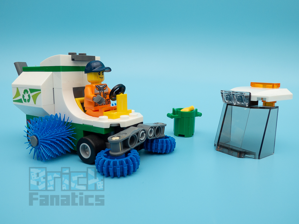 LEGO City 60249 Street Sweeper 58
