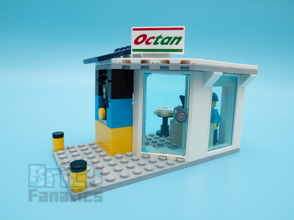 LEGO City 60257 Service Station 34