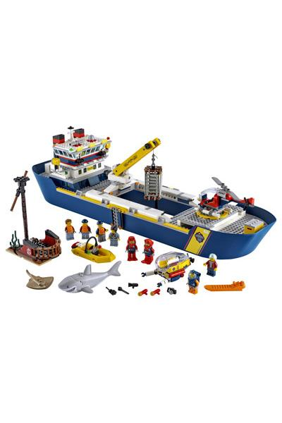 LEGO City 60266 Ocean Exploration Ship 4