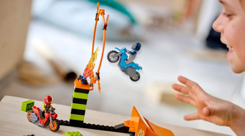LEGO City Stuntz 60299 Stunt Competition Lifestyle Featured