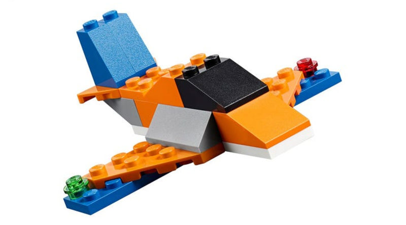 Lego Classic 10717 အုတ်အုတ်အုတ်အုတ်လေယာဉ်များကိုပြသခဲ့သည်