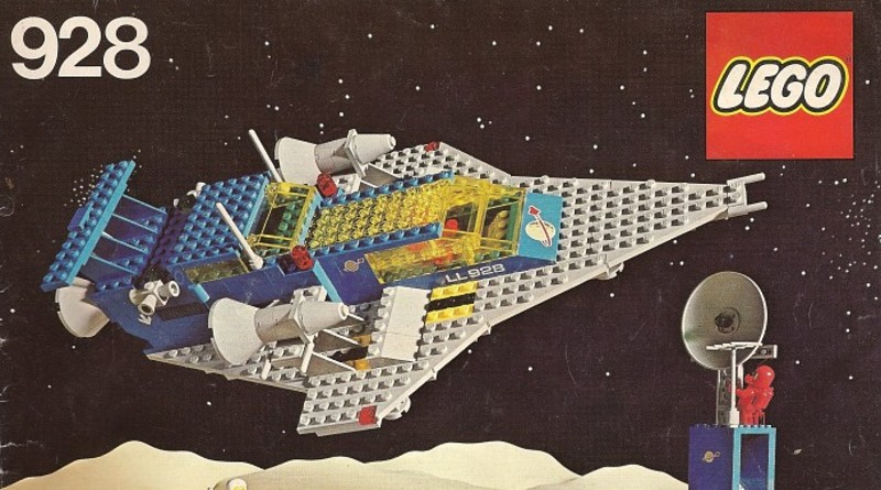 LEGO Classic Space 928 Featured