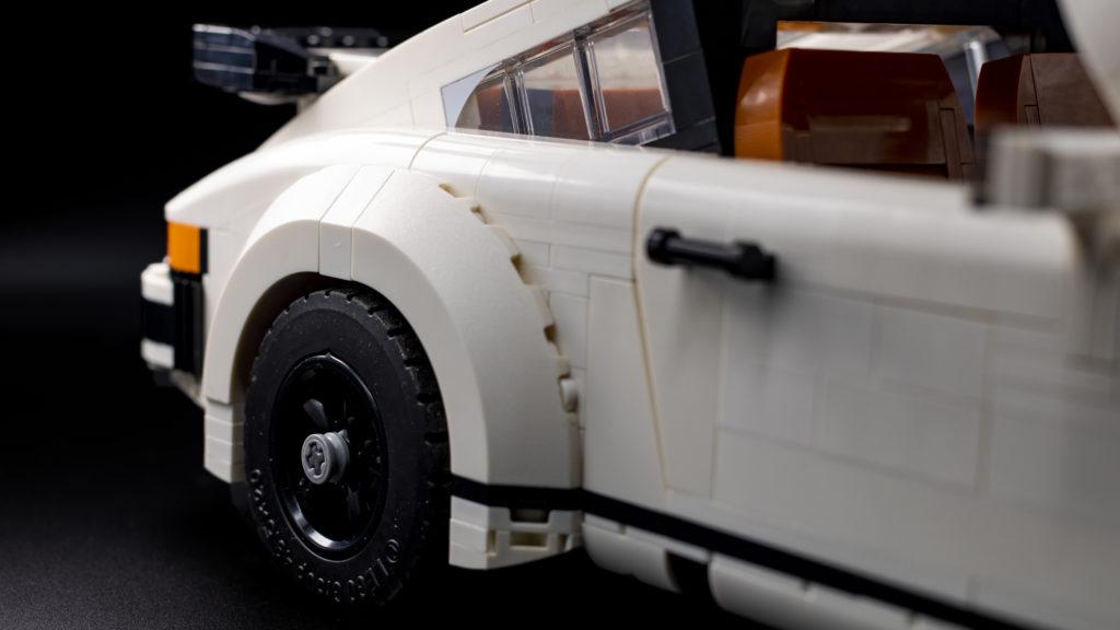 LEGO Creator 10295 Porsche 911 13