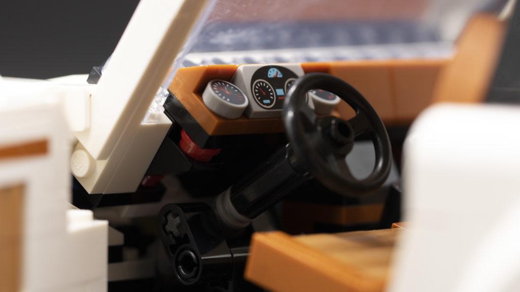 LEGO Creator 10295 Porsche 911 23