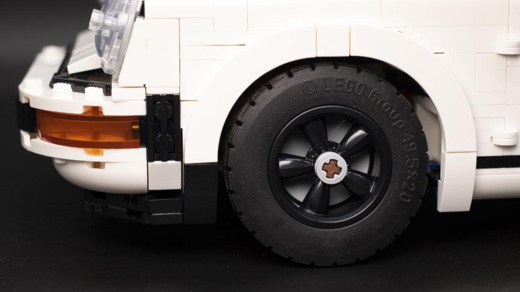 LEGO Creator 10295 Porsche 911 25