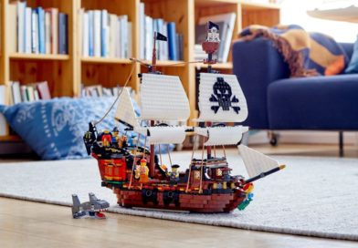 LEGO pirate treasure in that there IWOOT sale