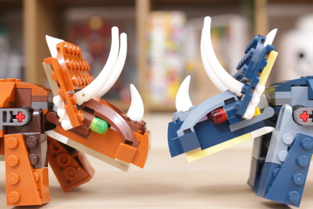 LEGO Creator 3 in 1 77940 Mighty Dinosaurs and 77941 Mighty Dinosaurs review 16