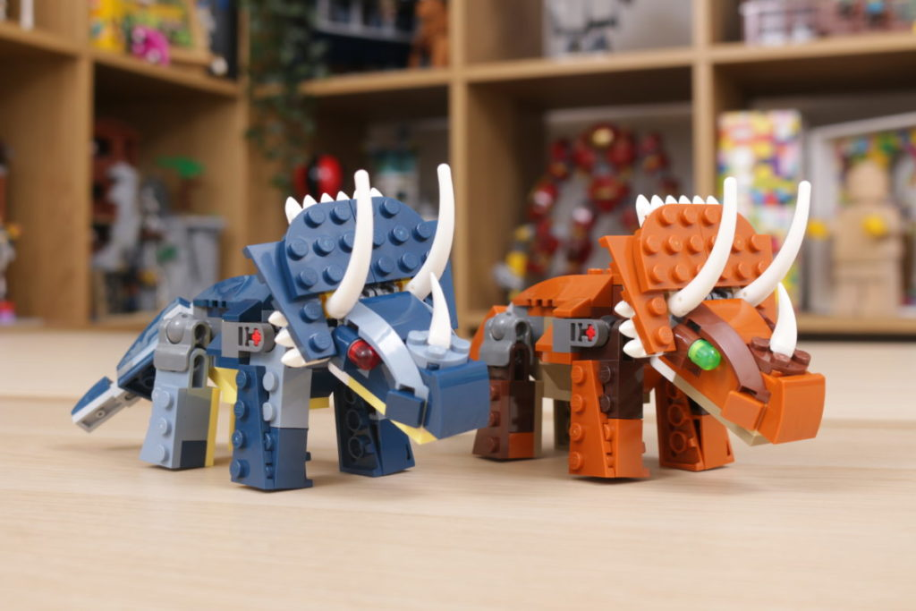 LEGO Creator 3 in 1 77940 Mighty Dinosaurs and 77941 Mighty Dinosaurs review 19